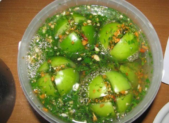 Армянчики из зеленых помидоров: рецепт острой и ароматной заготовки