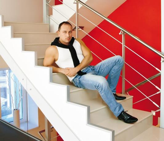 Дмитрий Нагиев: в каком доме живет эпатажная звезда